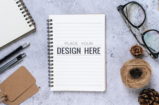 Notebook com espaço de trabalho