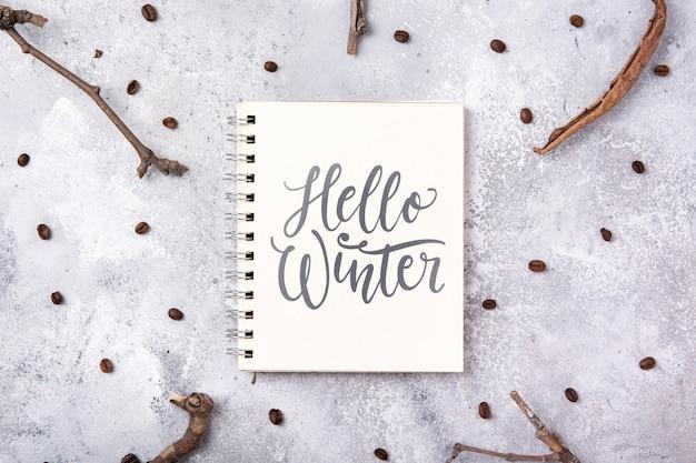 Notebook com mensagem de inverno olá