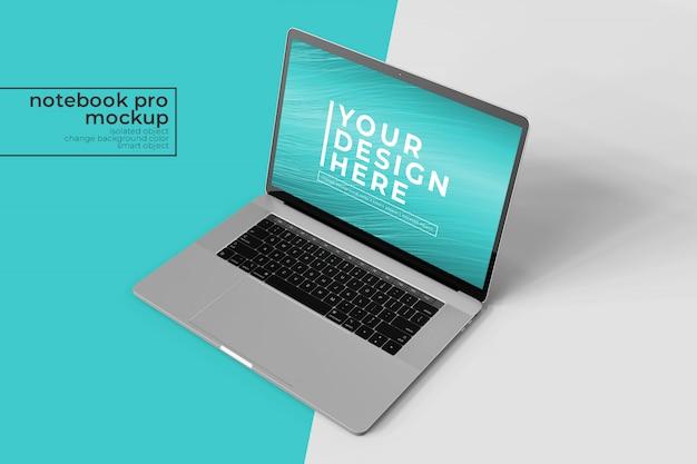 Notebook realista móvel mutável de 15'4 polegadas pro para interface do usuário da web e aplicativos mock ups na parte superior frontal direita