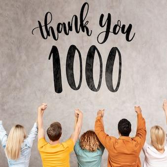 Obrigado seguidores com pessoas torcendo
