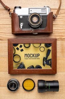 Oficina de fotógrafo com maquete de moldura