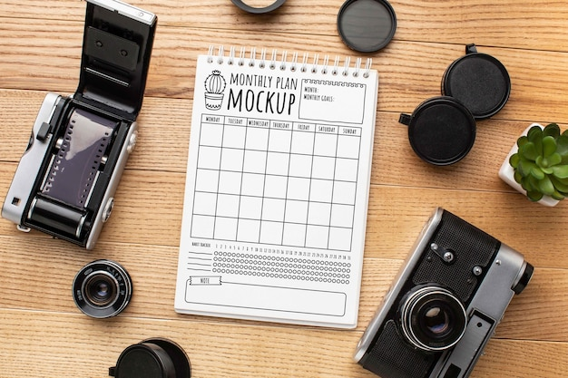 Oficina de fotógrafo com maquete de notebook