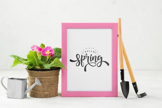 Olá maquete de primavera com flores
