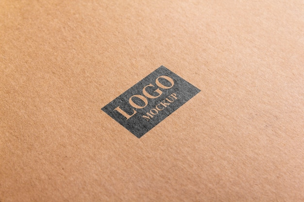 Papel de maquete marrom logotipo psd.