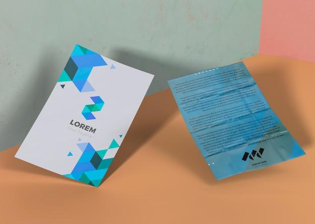 Papel de mock-up de negócios de empresa de marca azul geométrica