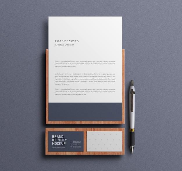Papel timbrado com maquete de papelaria de cartão de visita