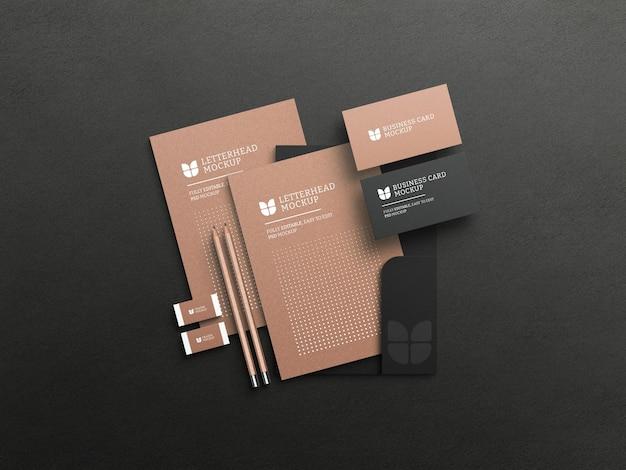 Papel timbrado de papel kraft com maquete de cartão de visita