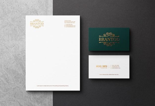 Papel timbrado elegante e maquete de cartão de visita