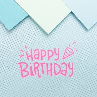 Papelão com mensagem de feliz aniversário