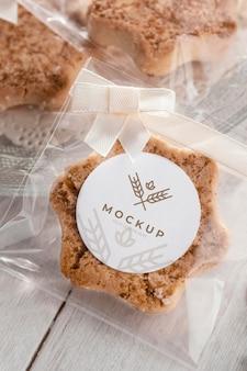 Pastelaria em embalagem transparente acima da vista