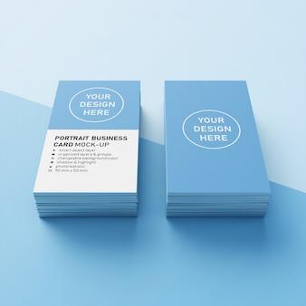 Photorealistic premium dois stack 90x50 mm retrato vertical cartão de visita modelo de design de mockup em perspectiva frontal
