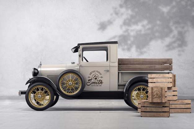 Pickup vintage com maquete de marca de caixas de madeira