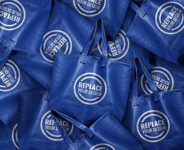 Pilha de maquete de sacola de couro azul