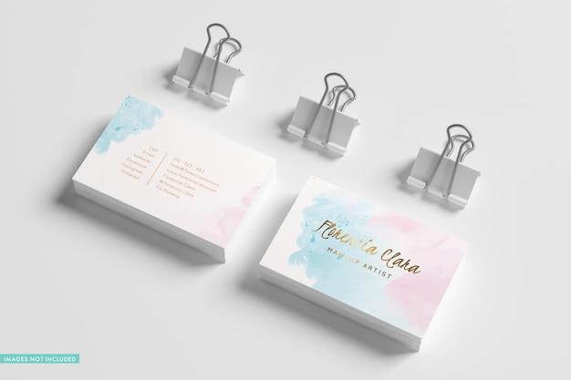 Pilhas e pastas para cartões de visita