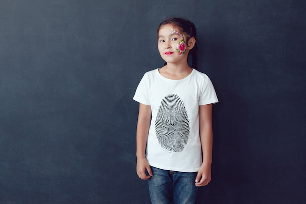 Pintura de rosto modelo de camiseta infantil