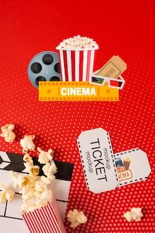 Pipoca e ingressos de cinema