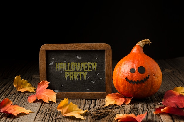 Placa com mensagem de giz de halloween