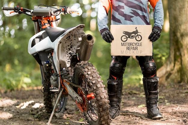 Placa de exploração de motociclista