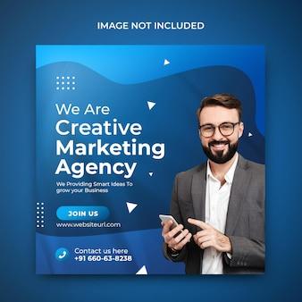 Postagem no instagram de agência de marketing digital para promoção de mídia social em modelo de fundo azul