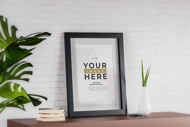 Pôster minimalista da moldura da foto com parede de tijolo branco