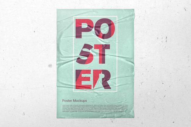 Poster vertical na maquete de parede Psd Premium