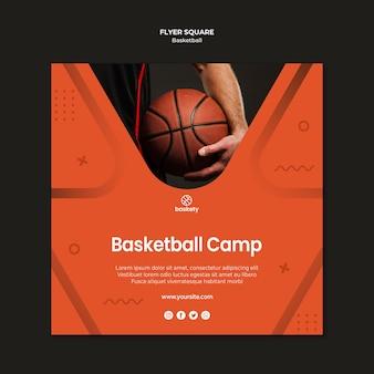 Praça de panfleto de acampamento de basquete