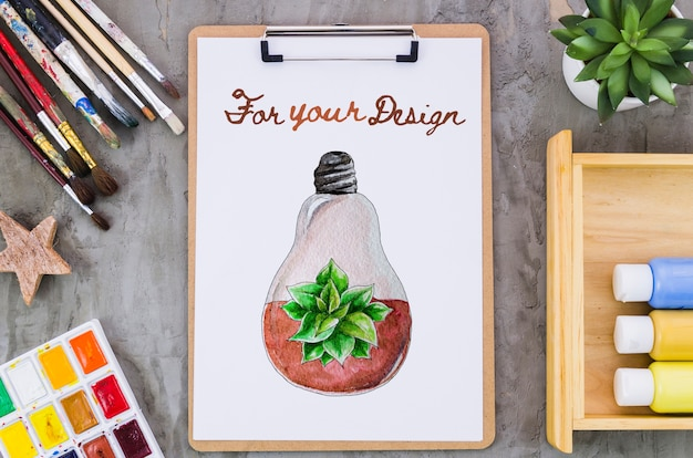 Prancheta com desenho realista
