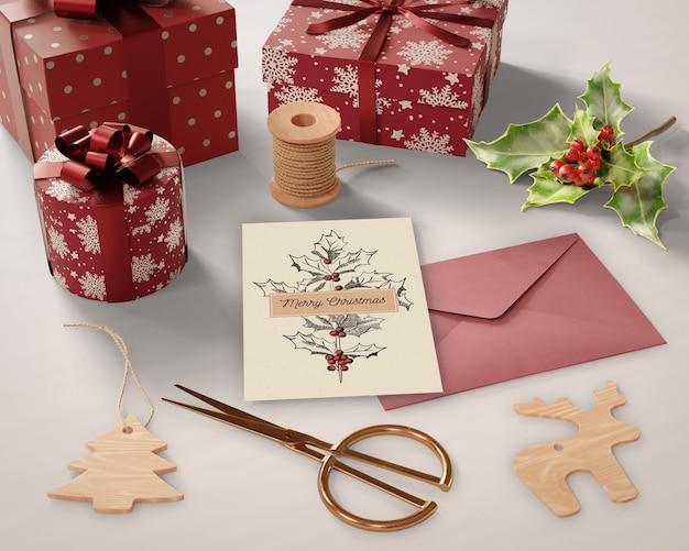 Presentes e cartões de preparações de natal