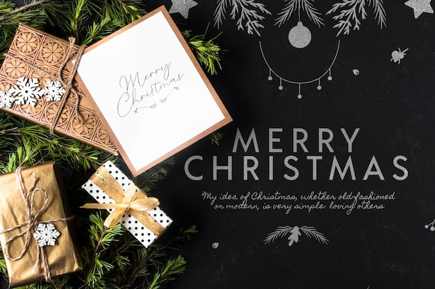 Presentes para natal com cartão ao lado