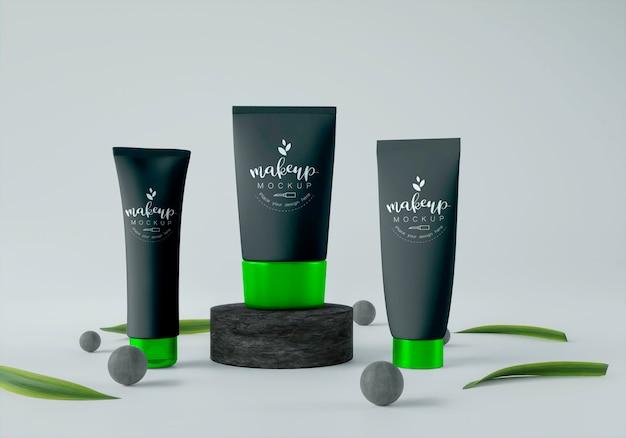 Produtos cosméticos com esferas e folhas