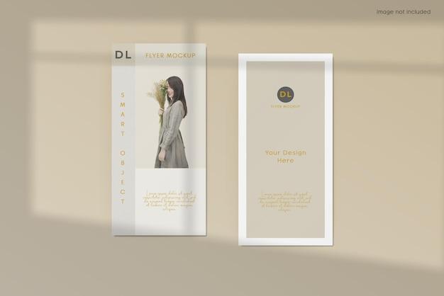 Projeto da maquete do folheto do panfleto com sobreposição de sombra