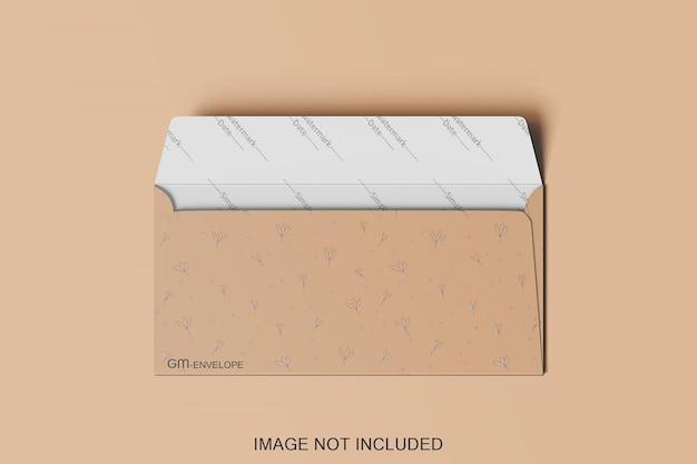 Projeto de maquete de envelope aberto isolado