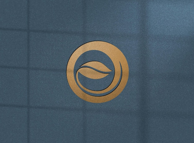 Projeto de maquete de logotipo dourado realista