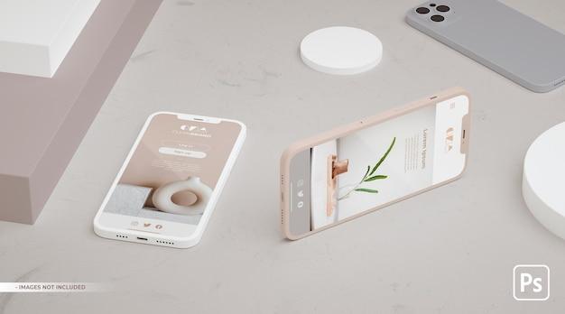 Projeto ui ux do aplicativo em maquete de dois telefones realista