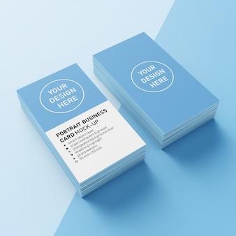 Pronto para uso premium dois pilha 90x50 mm vertical retrato business name card mock up modelo de design in superior 3/4 view