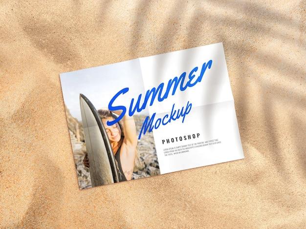 Publicidade de maquete de pôster de papel