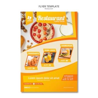 Publicidade de marketing com modelo de panfleto