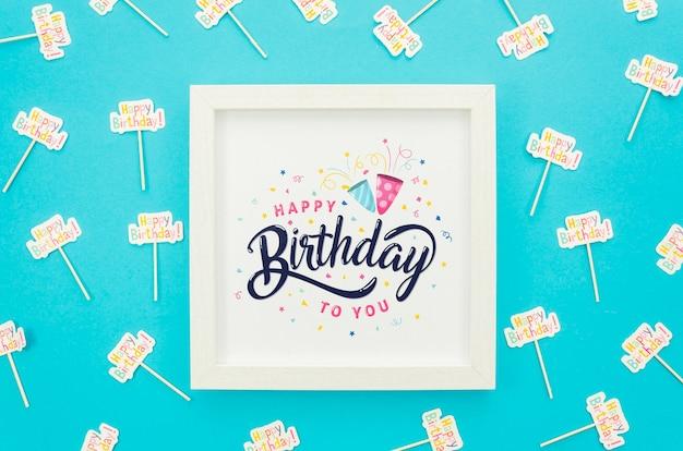 Quadro com maquete de mensagem de aniversário