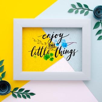 Quadro com tema floral e mensagem positiva