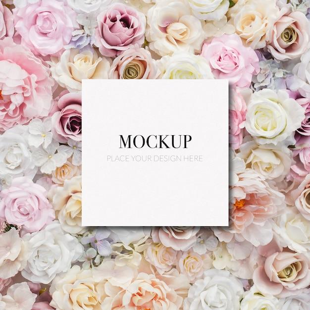 Quadro de maquete de modelo em flores