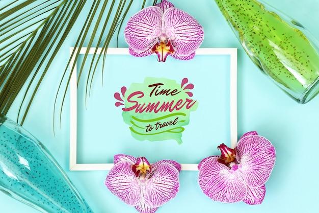 Quadro de maquete tropical de verão com folhas de palmeira