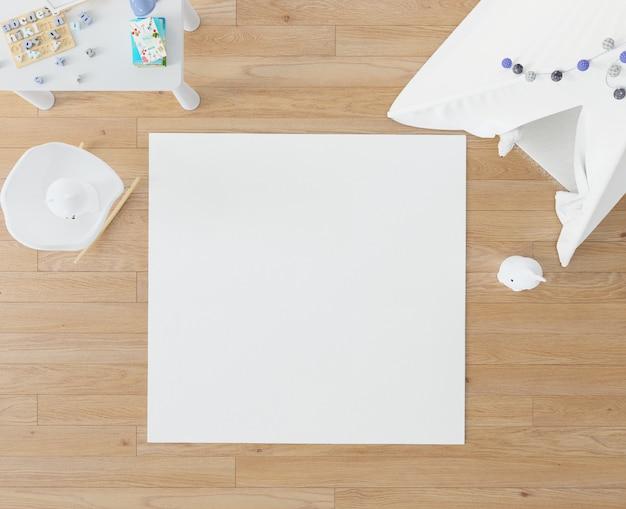 Quarto infantil com tapete branco e tenda
