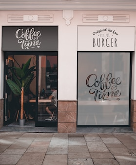 Restaurante com café e hambúrguer