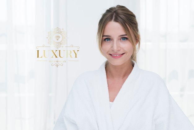 Retrato de mulher bonita para modelo de spa