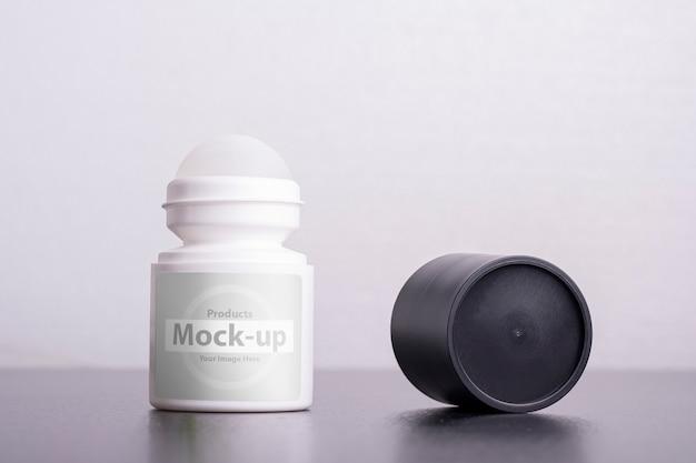 Role no modelo de desodorante antitranspirante