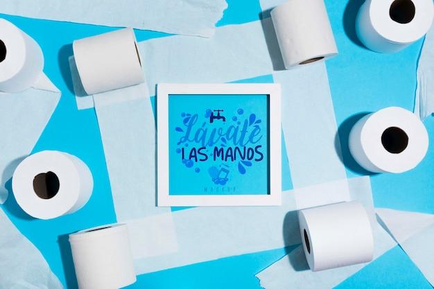 Rolos de papel higiênico com moldura
