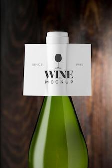 Rótulo de garrafa de vinho simulado de perto