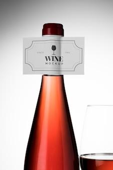Rótulo de garrafas de vinho e mock up de vidro