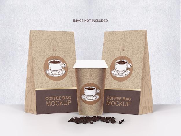 Saco de café e xícara psd mockup