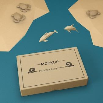 Saco de papel kraft e golfinhos com maquete